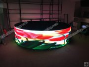 P3.91mm Indoor Circular LED Display Panel with Angle Adjustors